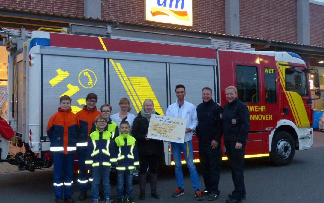 Giving Friday – dm Deutschland spendet 5 % des Tagesgesamtumsatzes an die Kinder- und Jugendfeuerwehr Hannover