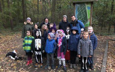Gruseltour im Kinderwald – Kinderfeuerwehr Vinnhorst unterwegs